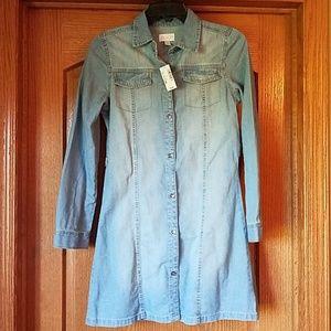 Girl's light blue denim dress